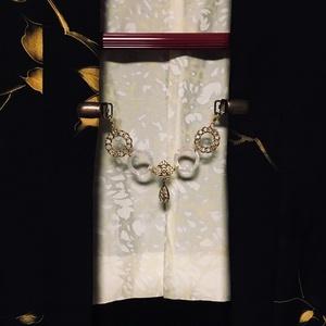 羽織紐・ストールクリップ 白・金