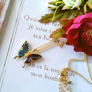 蝶々ネックレス【ブルー系、グリーン系】