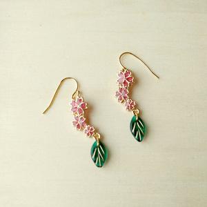 三連桜のピアス