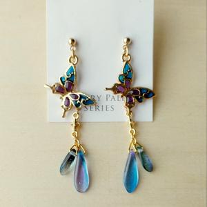 青紫の蝶々ピアス・イヤリング