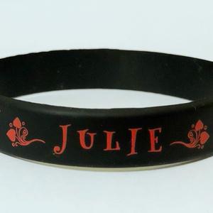 Julieラバーブレスレット