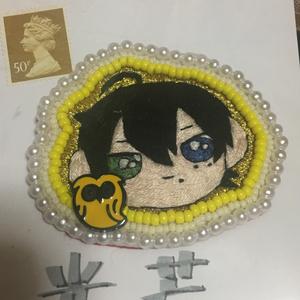 山田三郎 手刺繍ブローチ