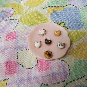 ねこのミニチュアクッキー入りプレゼントボックスのネックレス