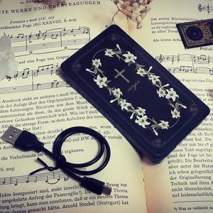 祈りの花園:百合 モバイルバッテリー