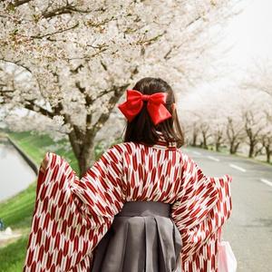 袴と桜と足の裏