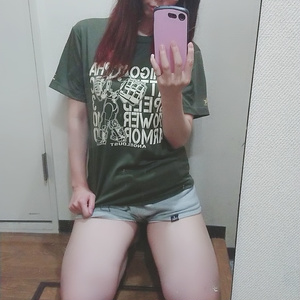 いちごアルファTシャツ
