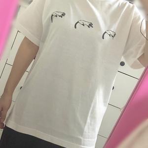 ねこちゃん3匹のTシャツ