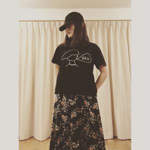 「AKA」Tシャツ