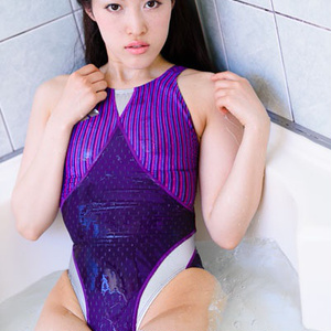 【高解像度DLデータ付】競泳水着の彼女のペシェ 霞