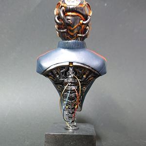 ヘルメットマン胸像 完成品