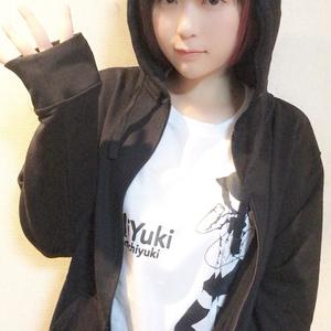 i Yuki パーカー (黒)
