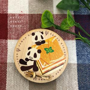ウッドプレート風ブローチ*パムダとオレンジケーキ*(パンダ)