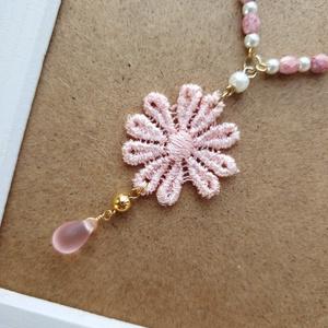 ピンクのお花のネックレス