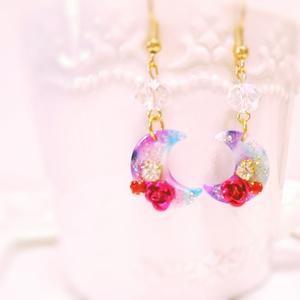 紫のべっこう月と深紅のバラのフックピアス