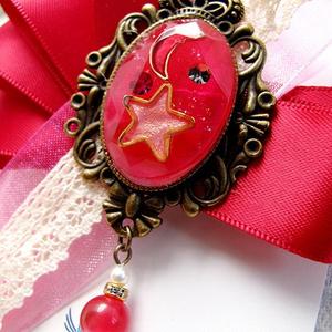 【ハロウィンカラー】月と星の輝く宇宙りぼんブローチ マゼンダ