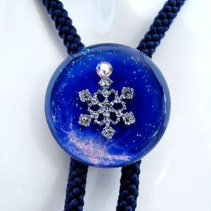 輝く青い雪のループタイ インディゴ×オーロラ
