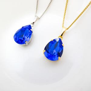 *透き通る青色のしずく型スワロフスキーネックレス マジェスティックブルー*