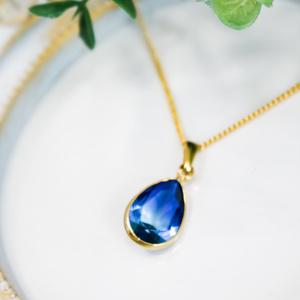 クリスタルガラスのしずく型ネックレス ブルー×アクア ゴールド金具