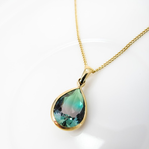 クリスタルガラスのしずく型グラデーションネックレス グリーン×ブラウン ゴールド金具