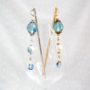 透き通る青のグラデーションのチェコビーズのかんざし 金具の色が選べます