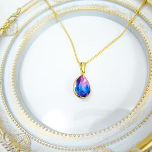 クリスタルガラスのしずく型グラデーションネックレス マゼンダ×ブルー ゴールド金具