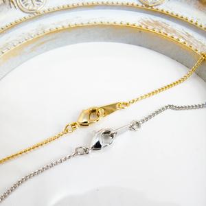 ちいさなまるいネックレス ~イルカ~ 金具の色が選べます