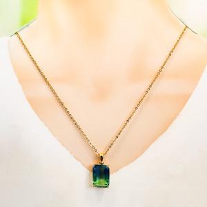 スクエア型のグラデーションガラスのネックレス ブルー×グリーン ゴールド金具 16kgf