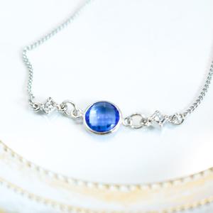 クリスタルガラスのブレスレット サファイアカラー シルバー金具