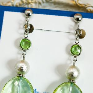 ミントカラーのcrystal earing ミントグリーン×スカイブルー ピアス変更可能