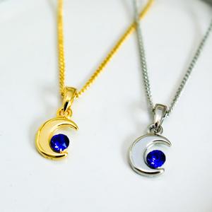 クリスタルムーンのネックレス マジェスティックブルー 金具の色が選べます