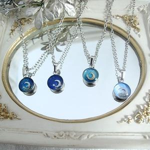 4種類のクレセントムーンのBLUEネックレス シルバー金具