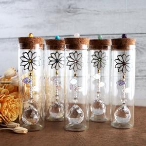 置くだけでキラキラ♪天然石とコスモスの小瓶サンキャッチャー(全5色)  Radiant