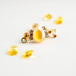 果実のイヤーカフ(全5色)☆Swarovski crystal使用