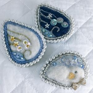 雫の刺繍ブローチ