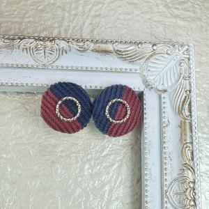 くるみボタン赤青イヤリング(板バネ)