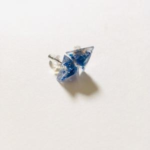 三角錐のシェルイヤリング⇄ピアス(白)