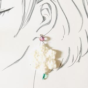 【轟出】雪の結晶イヤリング