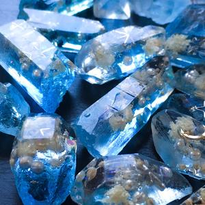 魔鉱石のイヤリング