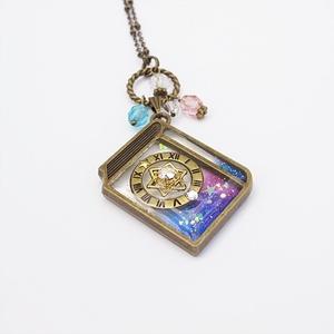 魔導書のネックレス