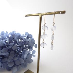 *天然石*ブルーカルセドニーピアス・Air Blue