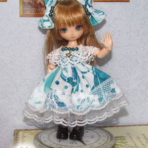 オビツ11サイズ 蝶々/ゴシック系ドレス