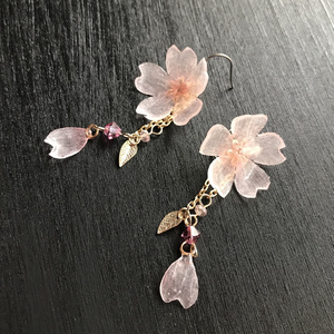 《シル・シュティオ(霞桜花)》ピアス・ロング