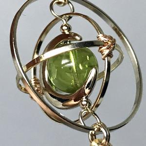《クロノスの環》ペリドット・ゴールド