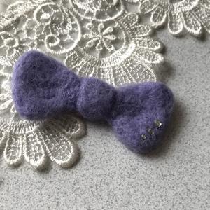 羊毛フェルトのリボンマグネット