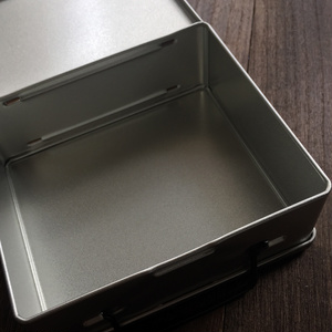両開き缶トランク/標本