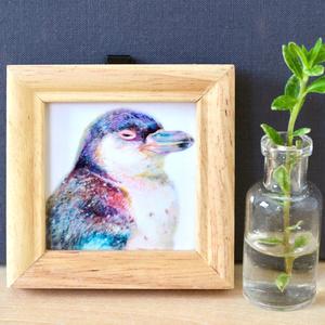 フンボルトペンギンの幼鳥くん【複製原画】壁掛けできる木製フレーム付き♡