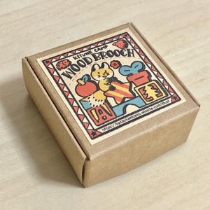 キツネの丸いウッドブローチ(箱はセルフ組み立て)