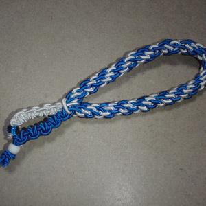 ブレスレットのようなヘアアクセサリー(白×青)