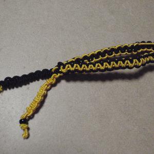 ブレスレットのようなヘアアクセサリー(黒×黄色)
