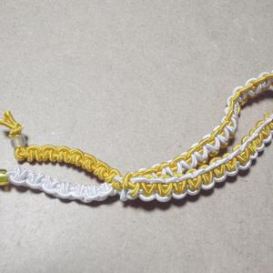 ブレスレットのようなヘアアクセサリー(白×黄色)